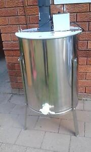 Electric Extractor- 4 frame, Brand new Beecroft Hornsby Area Preview