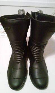 brand new made to ride motorcycle boots St Albans Park Geelong City Preview