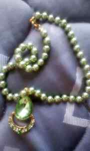 Green pearls and emerald stone necklace Glenorchy Glenorchy Area Preview