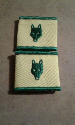 Scouts Canada OBSOLETE Wolf Cub Epaulette Set