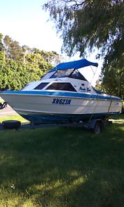 Haines Hunter half cabin boat Warilla Shellharbour Area Preview