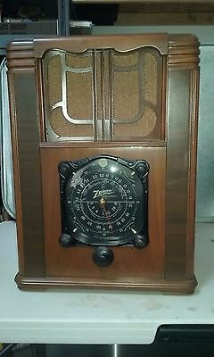 Vintage Zenith Tube Radio, Model 8S129