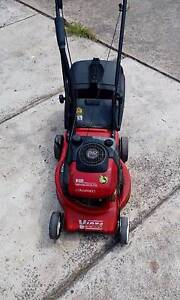 lawnmower 4stroke needs service Liverpool Liverpool Area Preview