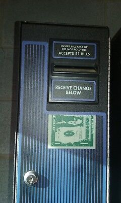 Coffee Inns Change Mate CM-222 Dollar Bill Changer Change Machine w/ Key Used