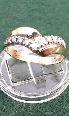 Stunning 9ct Yellow Gold Diamond Ring