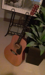 RIVIERA : Classic  Acoustic  Guitar. Tranmere Clarence Area Preview
