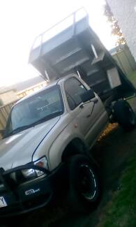 Hilux 4x4 tilt tray 3 ltr turbo deisel Wilsonton Toowoomba City Preview