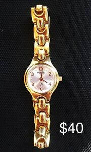 Fossil Woman's Watch F2