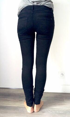 Jean noir skinny tissu toucher velours t.34 camaïeu