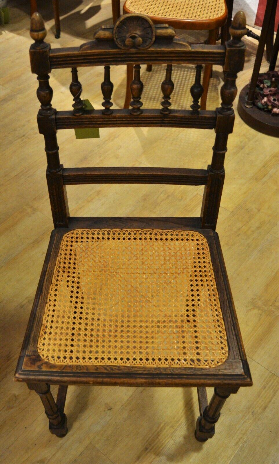 Antiker Stuhl Mit Korbgeflecht