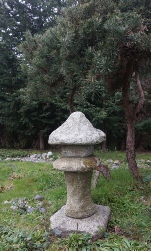 Beautiful Hand Carved Korean Granite Stone Pagoda Primitive Style Small 5 Pieces