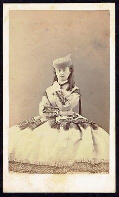 CDV Photo 1860s Cute Woman, Dress, Fashion, Hat (2826)