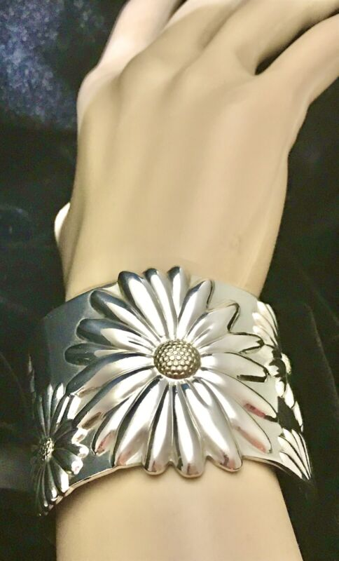 Tiffany & Co. RARE Daisy Cuff Bracelet 925 Sterling Silver and 750 Gold LIMITED
