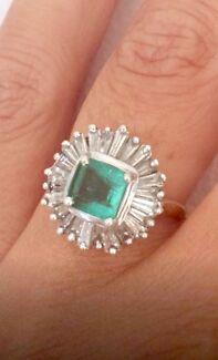 Art Deco Rare Colombian Emerald 18ct White Gold & Diamond Gold Ring