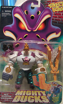 Mighty Ducks NET BLASTER WILDWING Action Figure Mattel 1996 NEW