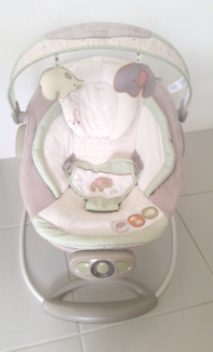 Ingiunuity vibrating Baby Bouncer