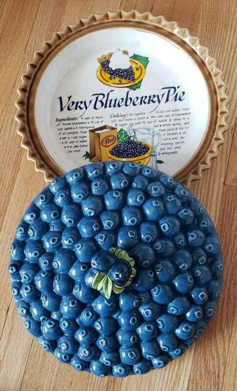Vintage Ceramic Blueberry Pie Dish / Pie Keeper with Cover made in Japan 10.5""