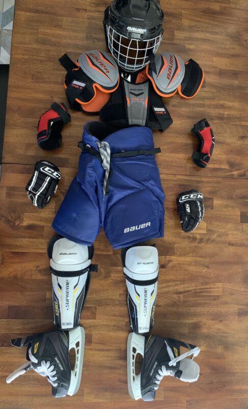 Hockey Boys/Youth Medium Beginners Bauer Full Equipment Ice Skates Caged Helmet