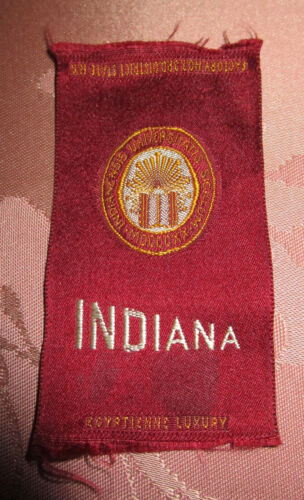 VTG TOBACCO SILKS COLLEGE BANNER UNIVERSITY of INDIANA Egyptienne Early 1900