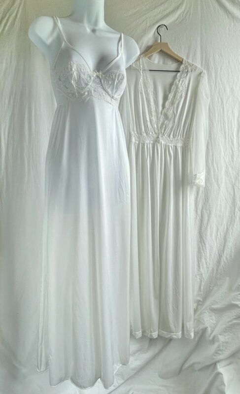 VTG OLGA RARE Bridal Snow White Nightgown Peignoir Robe Nightgown Negligee SET