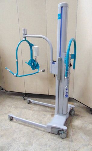 Arjo Patient Lift With Hand Control & Rebuilt Battery  SR600