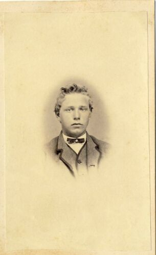 1860s Antique Victorian CDV Carte de Visite Photo Dapper Young Lad Boy Vignette