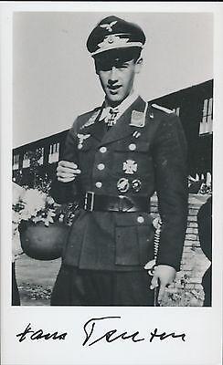 Hans Teusen signed photo.  I./Fallschirmjäger-Regiment 16. German Cross in gold.
