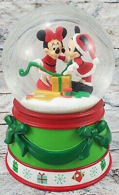 DISNEY DEPARTMENT 56 2016 Mickey & Minnie Mouse Christmas Holidays SNOW GLOBE