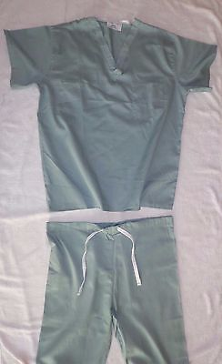 Best Medical Unisex Reversible Scrub Set Top & Pants Misty Green Size Small