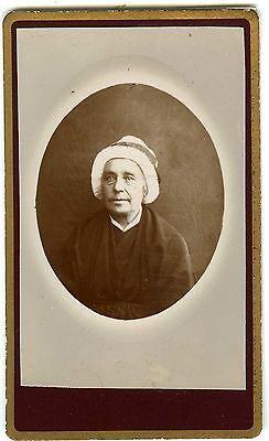 PHOTO CDV Gourgaud à Monistrol sur loire une femme avec coiffe pose vers 1880