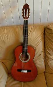 Three Quarter 3/4 (child) size Acoustic Guitar near new Valencia Crows Nest Toowoomba Surrounds Preview