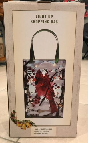 New in box Cracker Barrel Exclusive Light-Up Red Cardinal Shopping Bag Decor