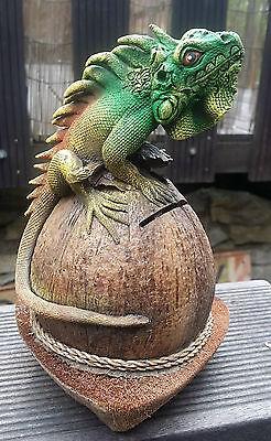 20cm Spar Dose aus Kokosnuss Leguan Eidechse Echse