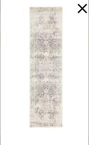 Loom rug - power loomed in Turkey. Grey/white. Brand New. 500cm x 80.