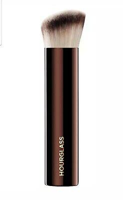HOURGLASS Vanish Foundation Brush Synthetic Bristles Face Makeup Cosmetic Brush