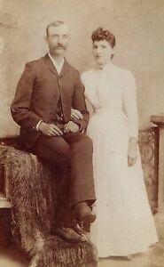 ANTIQUE-1880-039-s-CABINET-PHOTOGRAPH-BUTLER-MISSOURI-COUPLE-POSING