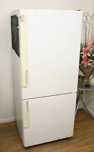 405L Westinghouse Fridge Freezer, delivery from $40 Melbourne CBD Melbourne City Preview
