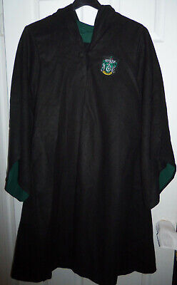 Harry Potter Costumes Adults (Harry Potter Adult Medium Slytherin Hooded Wizard Robe Cosplay Costume)