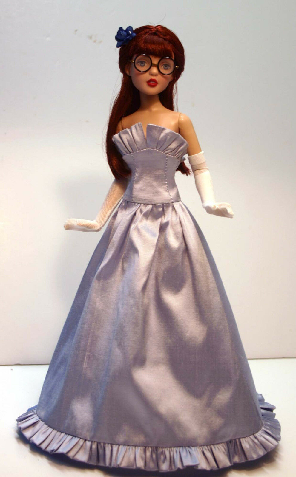Old fashioned doll clothes 94