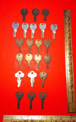 Vintage Mills Chicago Lock Corbin National Vending Or Slot Machine 22 Key Total