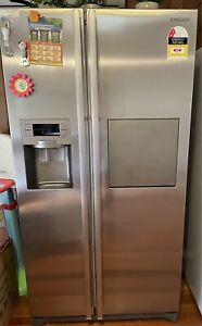 Samsung double door fridge with ice maker and side freezer