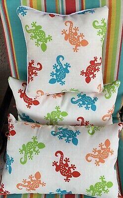 Lizard Pillow (New Indoor Outdoor Patio Gecko Lizard Pillow Set Of 3 Pillows. )