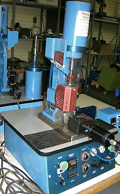 Ab 200 Plastic Injector Injection Molding Machine 120 Volts Shipping Included