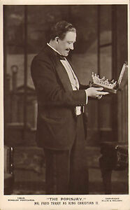 the-popinjay-mr-fred-terry-as-king-christain-11-beagles-card-1911