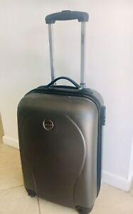 Metro Small Weekender Suitcase