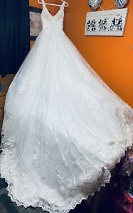 Wedding Dress (size 4-6). REDUCED PRICE LISTED NOW