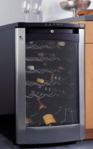 Refroidisseur à vins GE Profile 4,3 pi/3 (29 bouteilles)