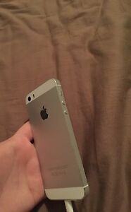 I PHONE 5S FOR SALE FACTORY UNLOCKED