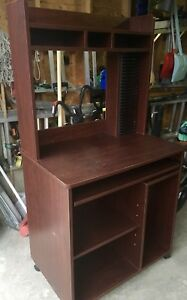 COMPUTER TABLE $20.00