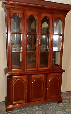 LEXINGTON CHERRY CHINA CABINET Lighted Hutch Mirrored Back Glass Shelves VINTAGE